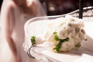 Bílá svatební kytice