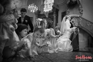 Moravská svatba v kostele