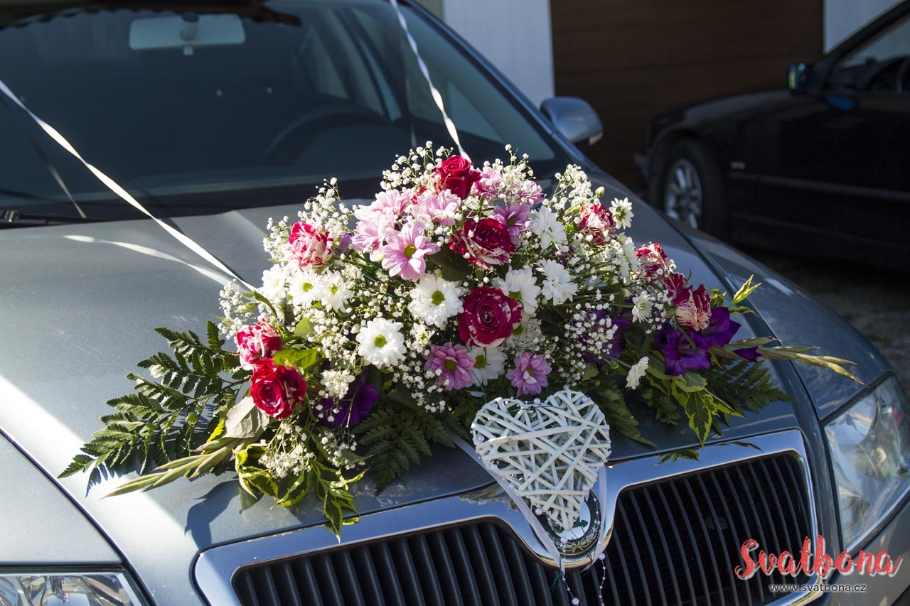 Svatebni Dekorace Na Auto Jak Ozdobit Auto Na Svatbu