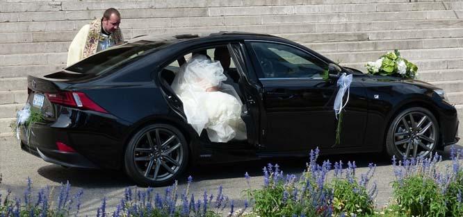 Auto na svatbu - limuzína