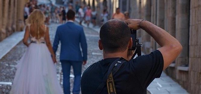 Jak najít nejlepšího svatebního fotografa