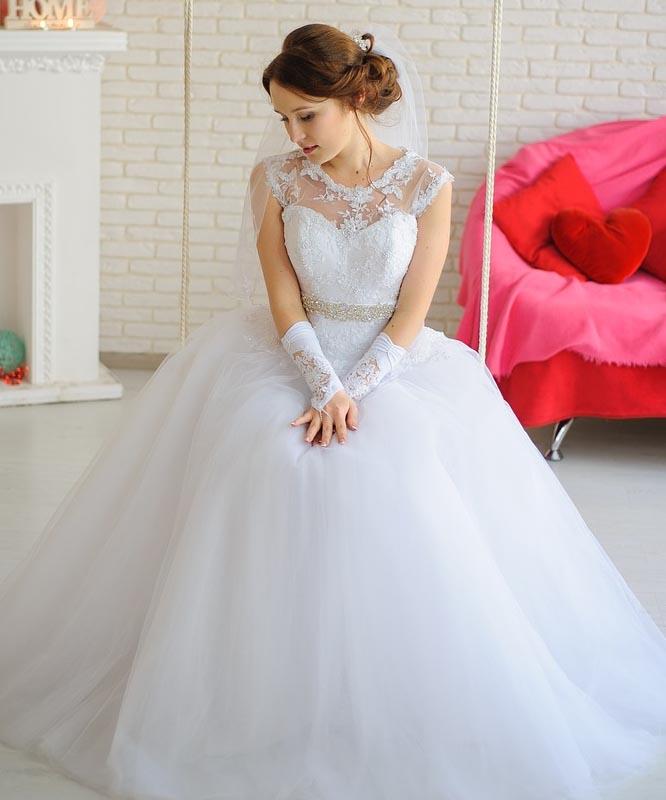 db2edfcc689b Jak vybrat svatební šaty - princeznovské