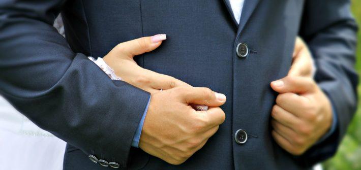 6b17b86fe31 Svatební oblek dělá z ženicha hlavního muže svatby!