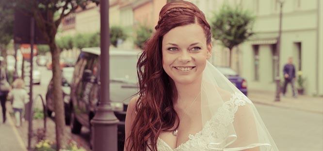 Svatební účes - dlouhé vlasy
