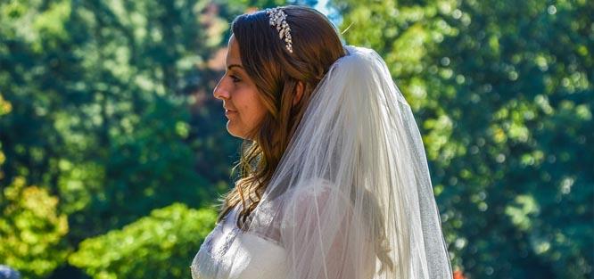 Svatební účes - polodlouhé vlasy