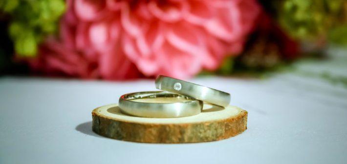 Platinové snubní prsteny