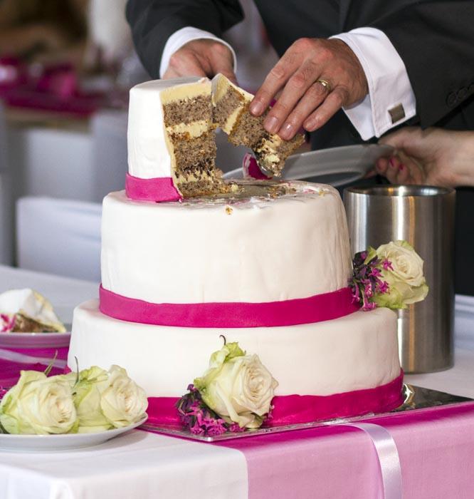 Potahovaný svatební dort