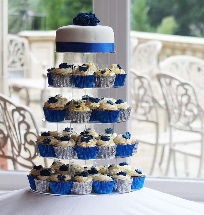 Svatební dort s cupcakes