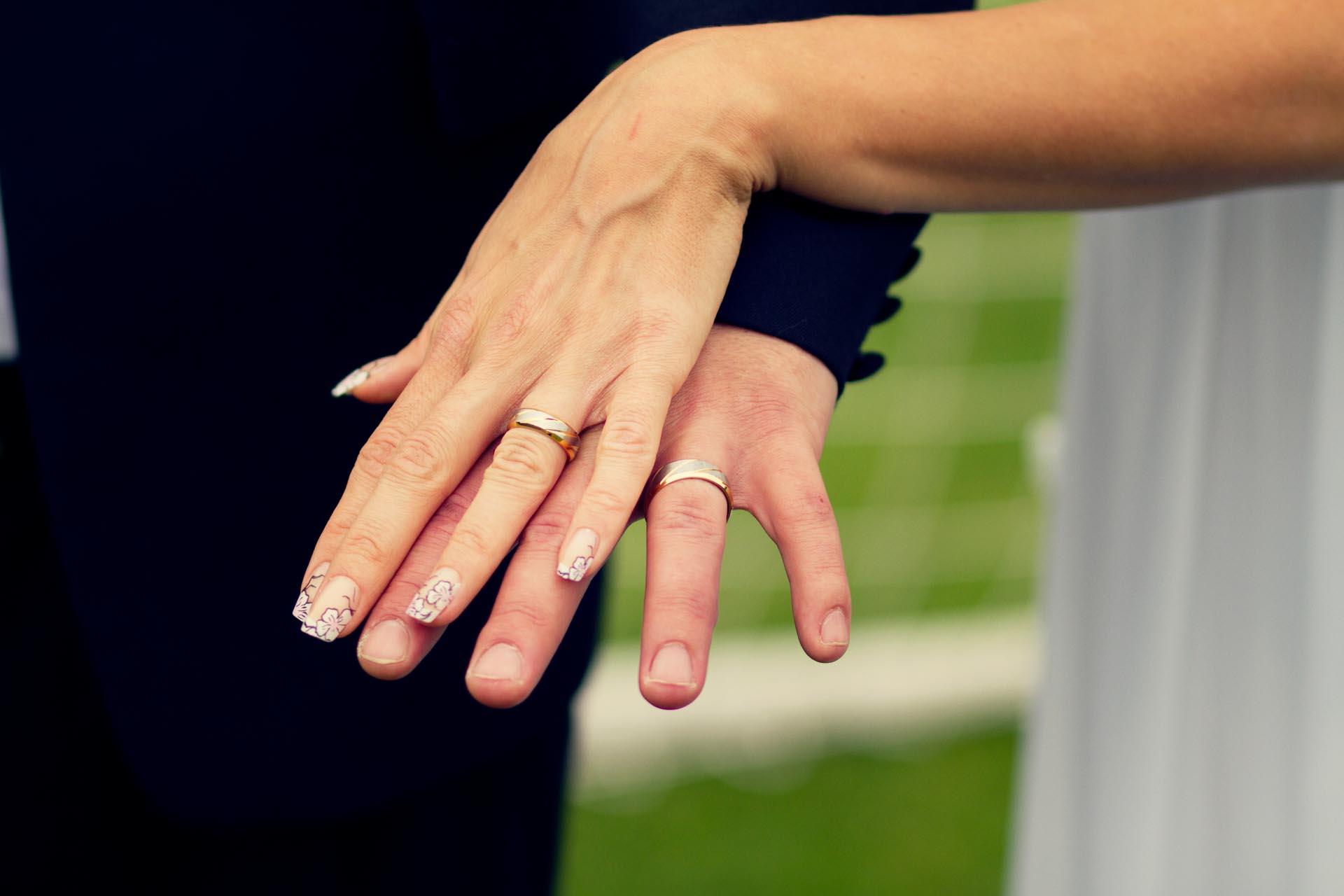 Jak nosit snubní prsten