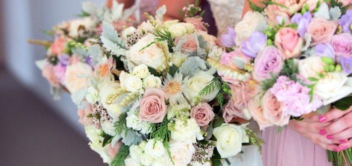 Kdo má mít kytku na svatbě?