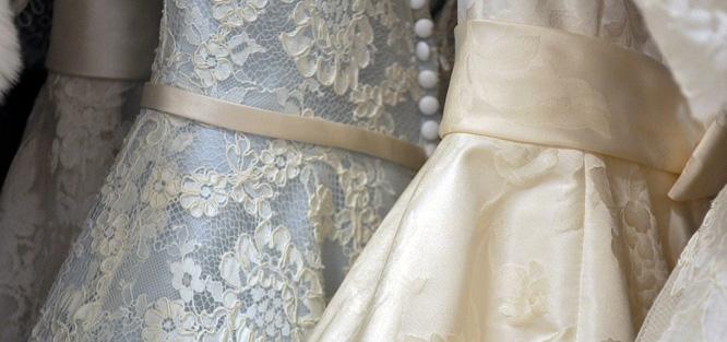 Svatební den nevěsty - šaty