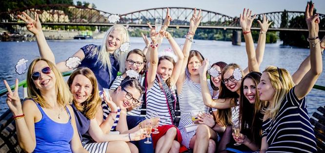 Rozlučka se svobodou - Plavba lodí po Praze