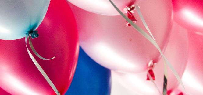 Pouštění balónků na svatbě