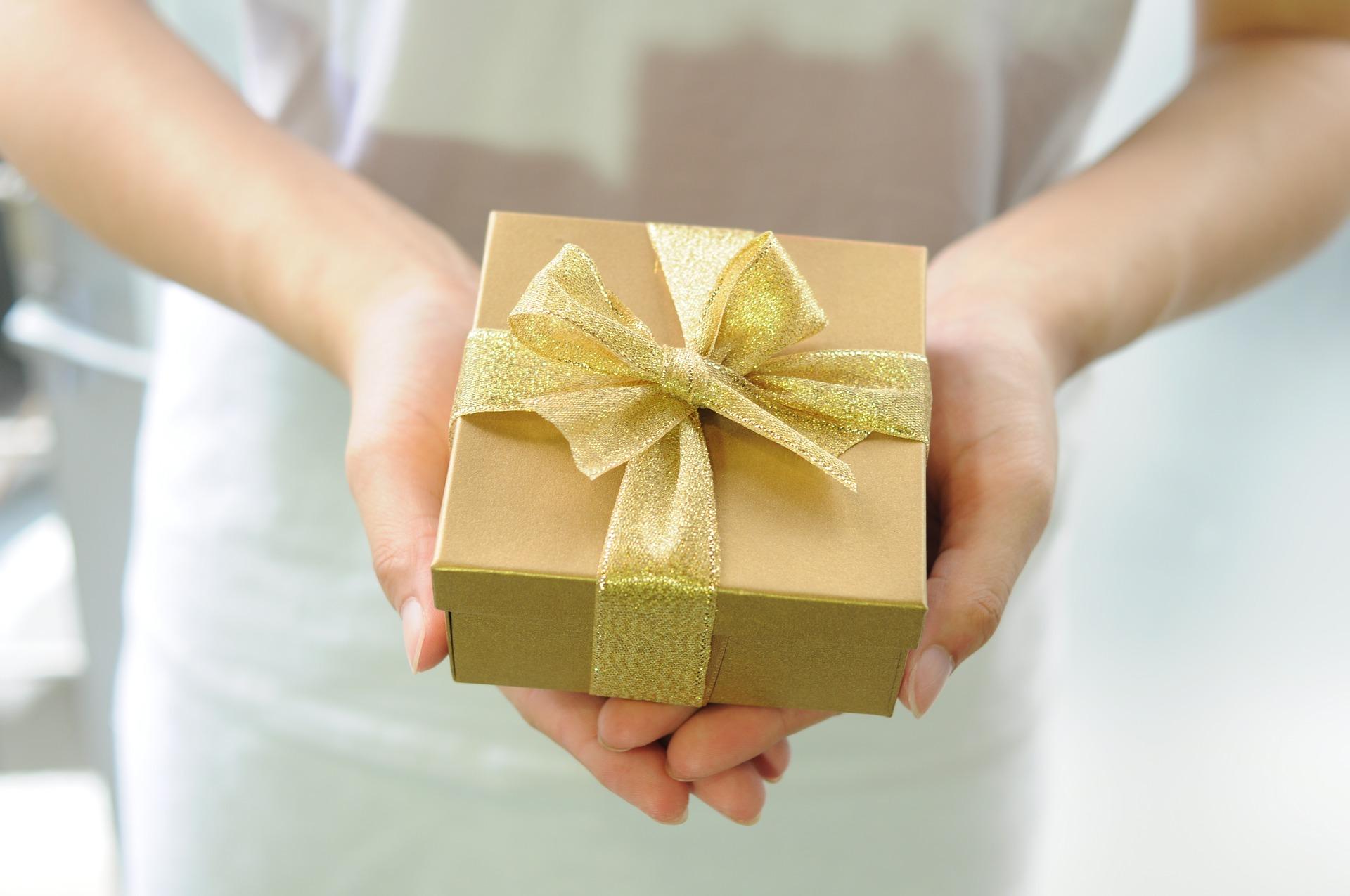 Dárek pro svědkyni – Tipy na poděkování svědkyni