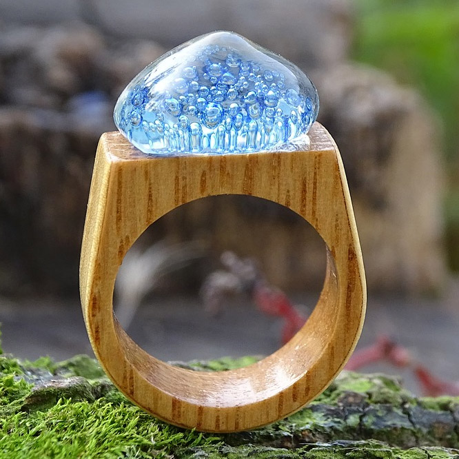 Netradiční snubní prsteny ze dřeva